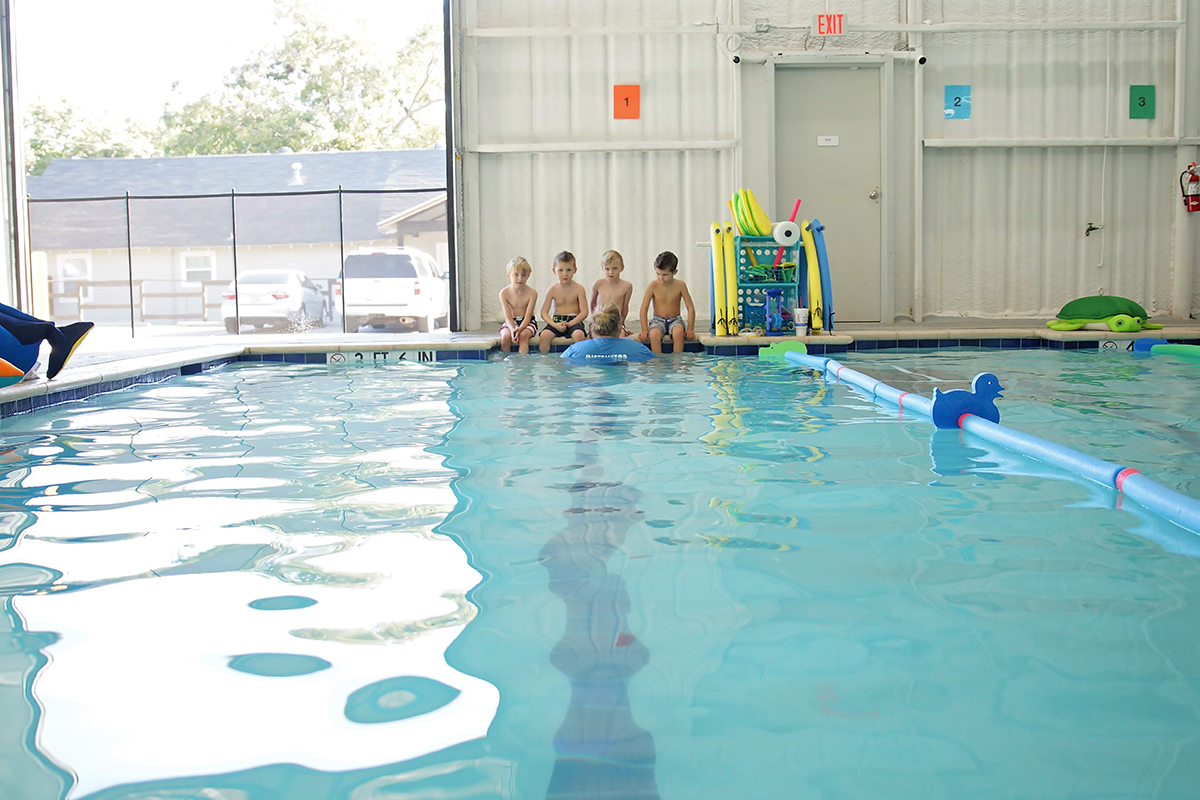 kids-at-swimming-lessons